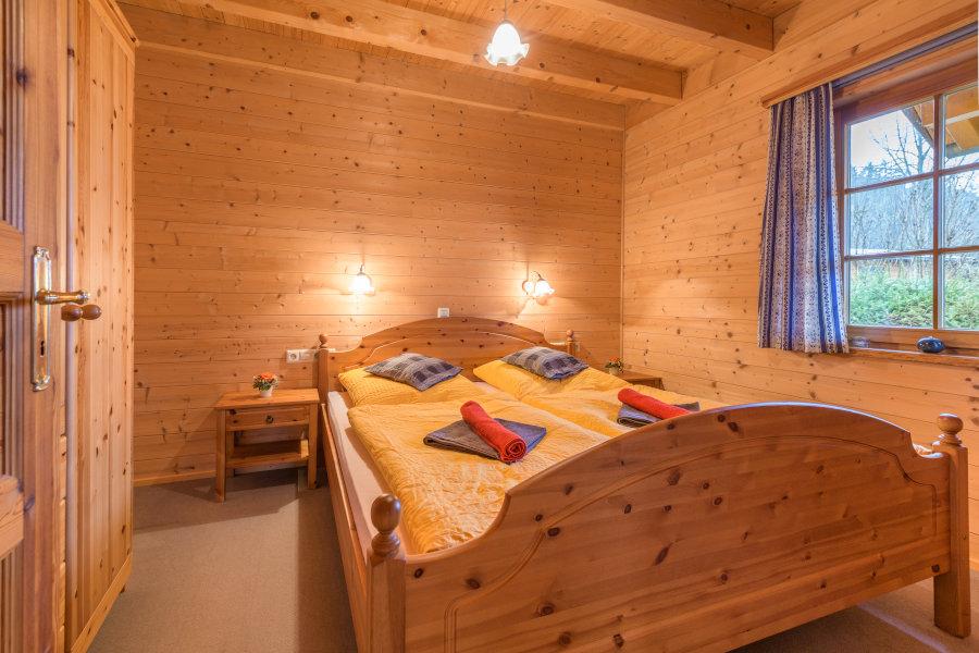 Schlafen Im Holzhaus Im SChwarzwald